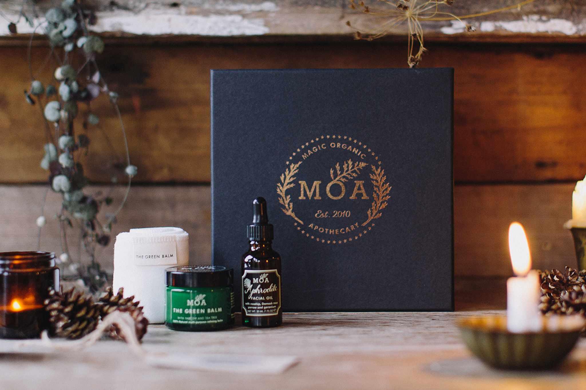 moa-christmas-box-2048-1365