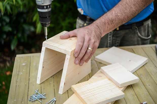 assemble-the-bat-box-3