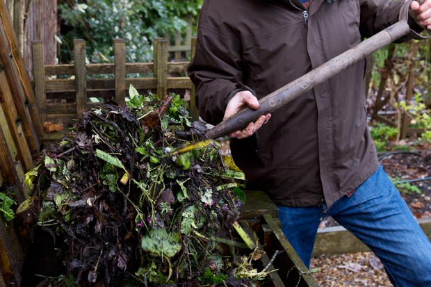 turning-a-compost-bin-2