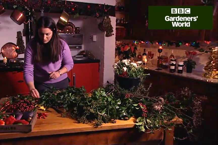 How to make a Christmas wreath video