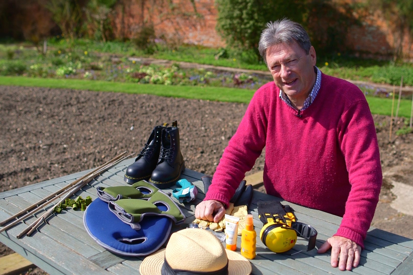 No Fuss Guide Protective gardening gear and equipment