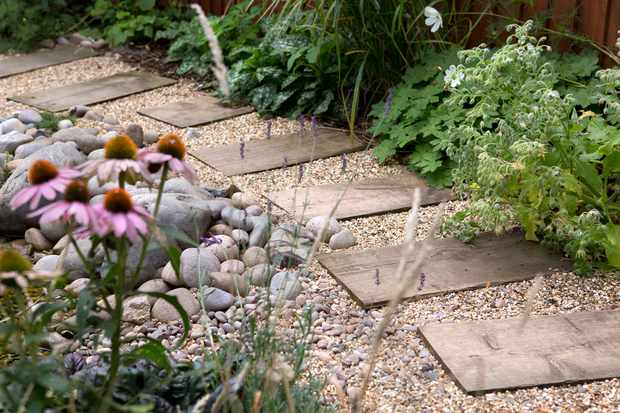 garden-path-2