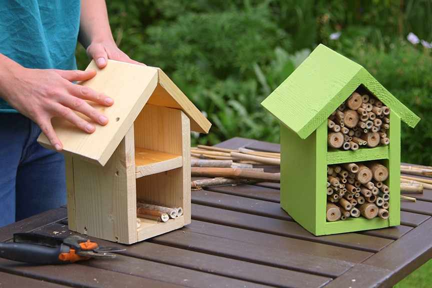 Making a bee hotel