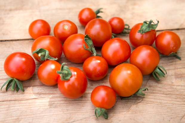 Cherry tomato 'Super Sweet 100'
