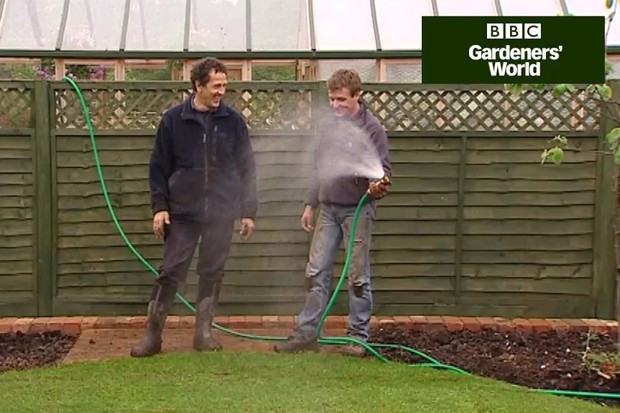 How to lay turf