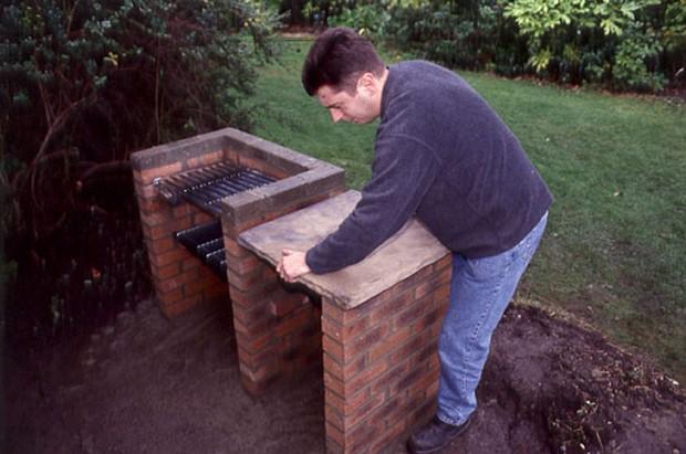 Aggiunta di una lastra di cemento per creare un piano di lavoro