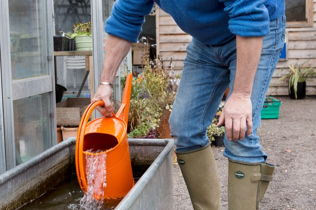 filling-watering-can-2