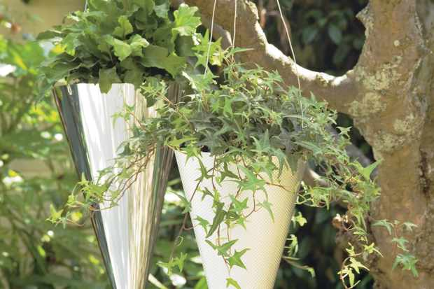 How to make a cone-shaped hanging basket