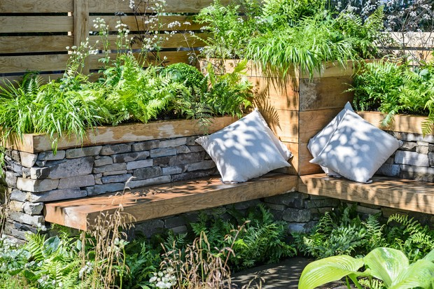 integrated-benches-in-the-garden-3