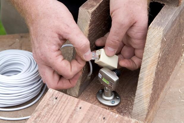 Install a nestbox camera - fitting the camera