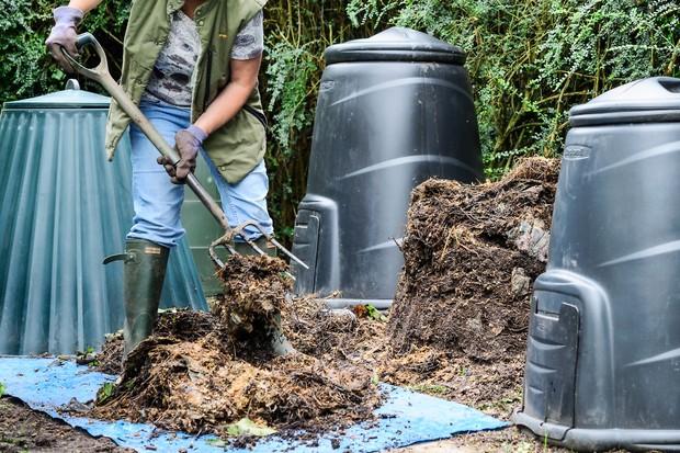 plastic-compost-bin-3