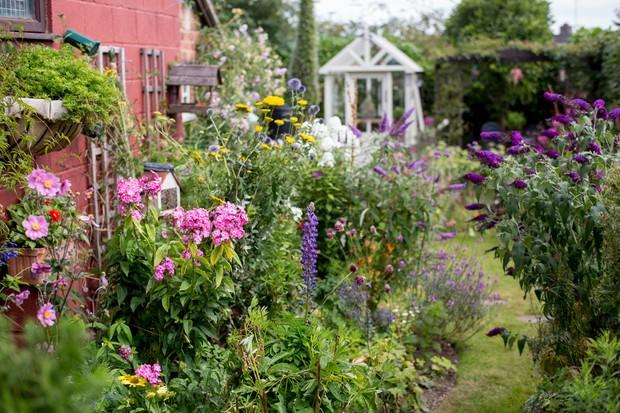 cottage-garden-3