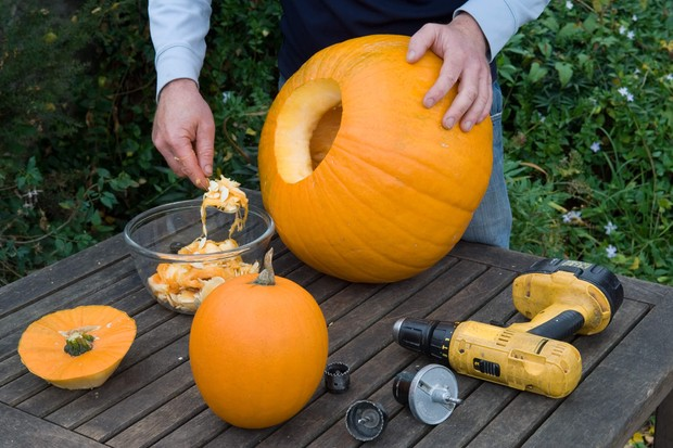 cut-a-hole-in-the-pumpkin-and-scoop-out-the-flesh-2