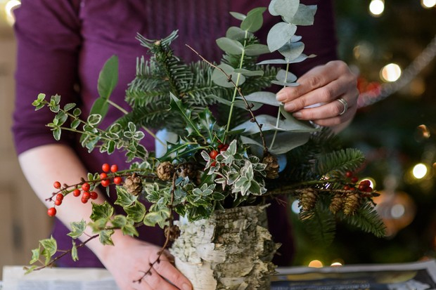 arranging-the-winter-foliage-2