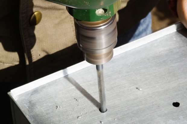 drilling-drainage-holes-in-the-bottom-of-a-container-2