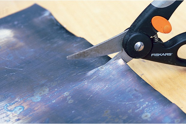 Making a lead planter - cutting the lead