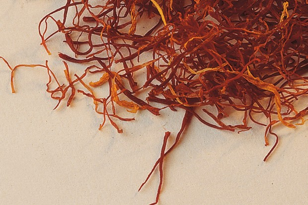 dried-saffron-threads-ready-for-use-2