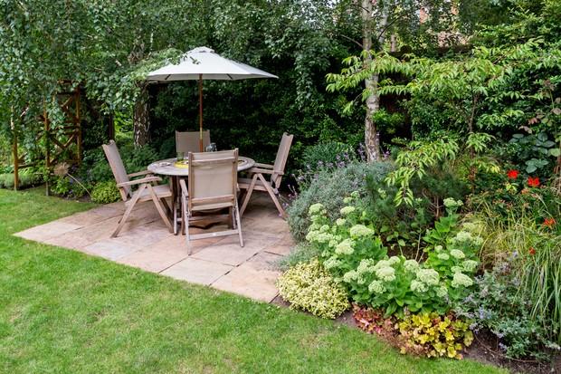garden-seating-area-3