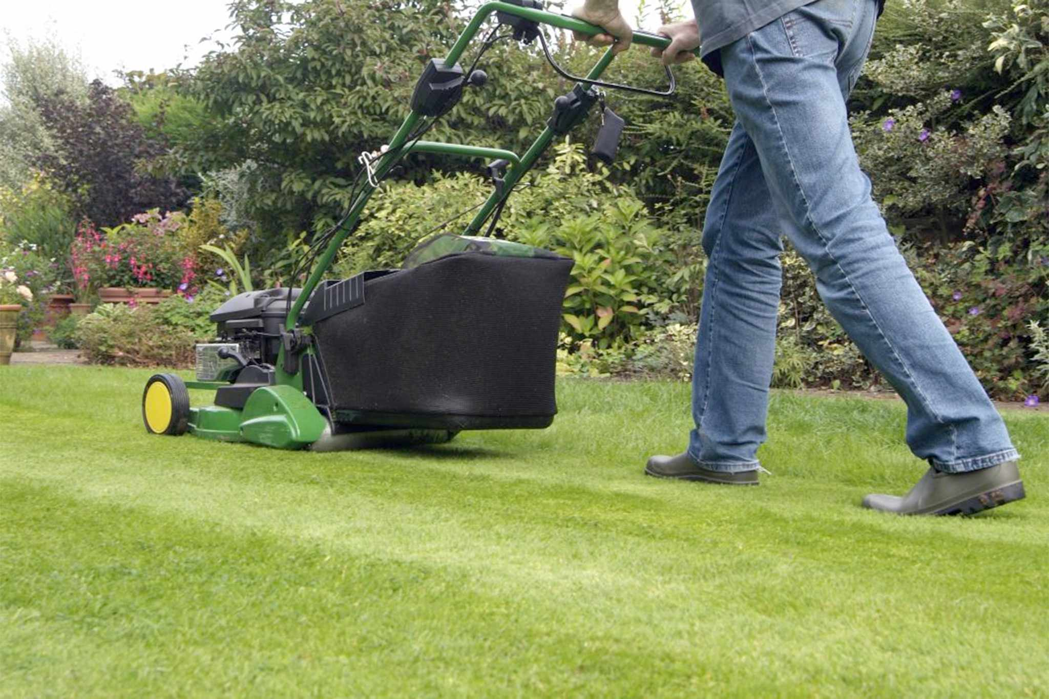 Mowing stripes onto a lawn
