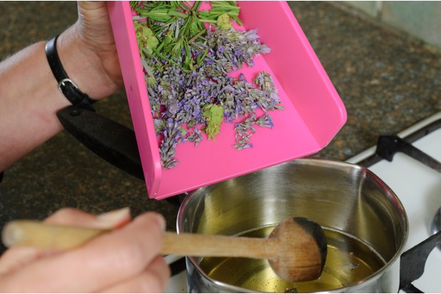 How to make lavender bath oil - adding the flowers to the oil