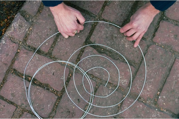 bending-wire-into-spiral-2