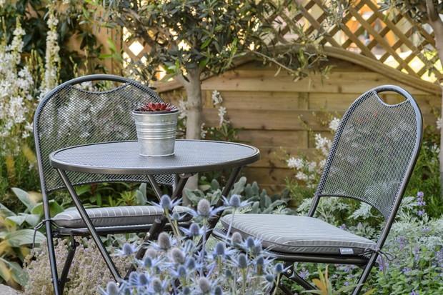 garden-bistro-seating-3