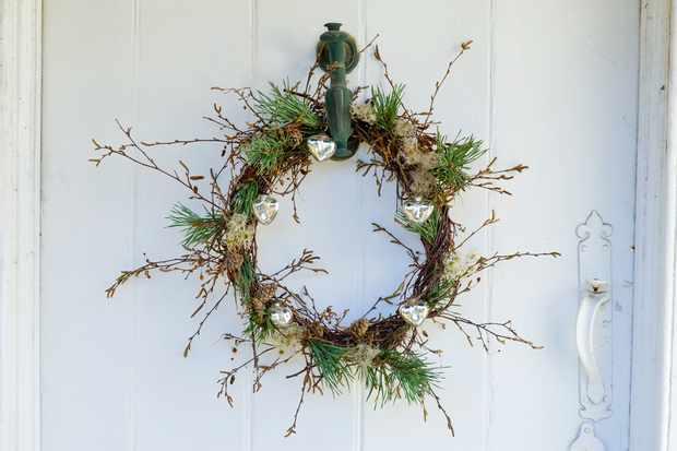 contemporary-christmas-wreath-2