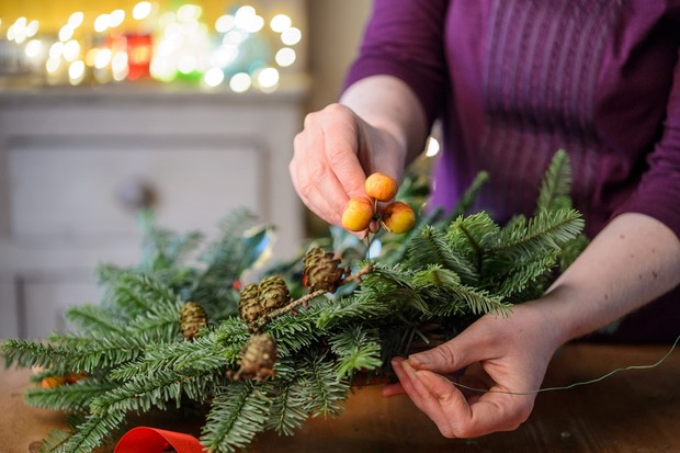 Attach the remaining plant material to the wreath