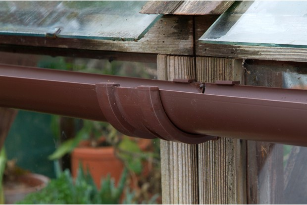 Fitting Greenhouse Guttering - BBC Gardeners' World Magazine