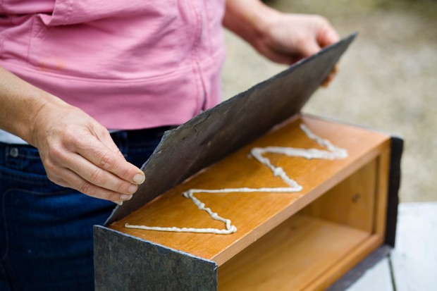 Make your own slate planter - fixing the slate to the box