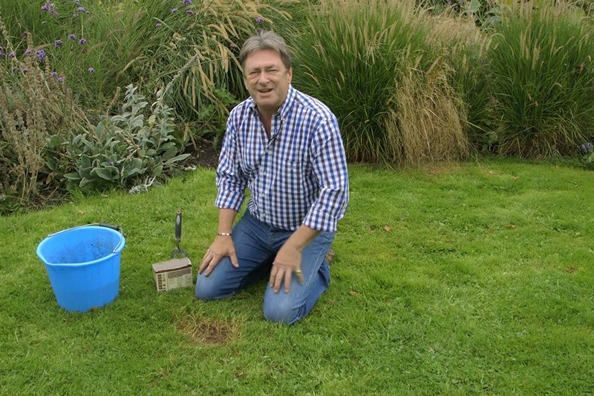 Repairing lawn patches No Fuss Guides video