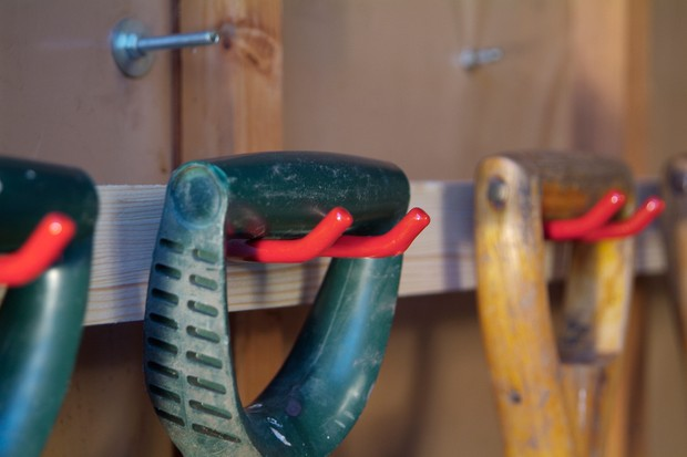 How to make a garden shed tool rack - tools hanging on the racks