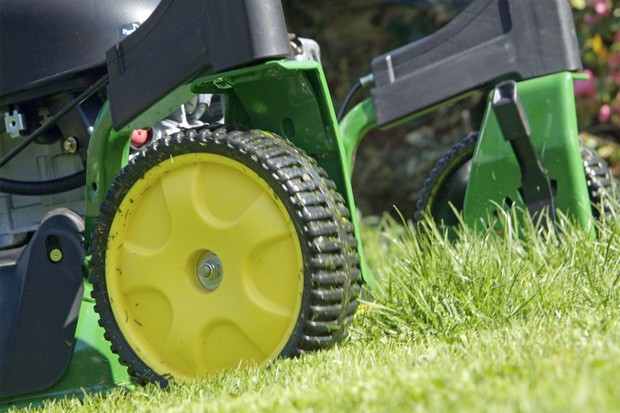 Mowing a lawn with a battery mower