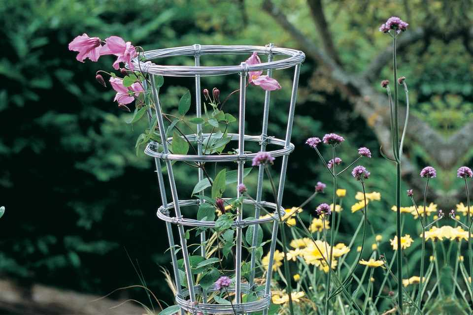 70200How to make a metal garden obelisk