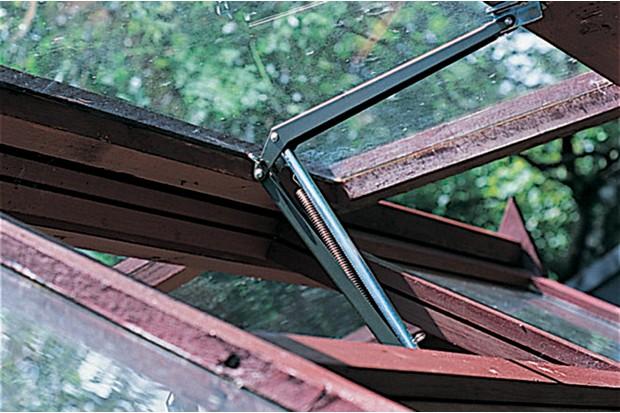 window-vent-opening-3