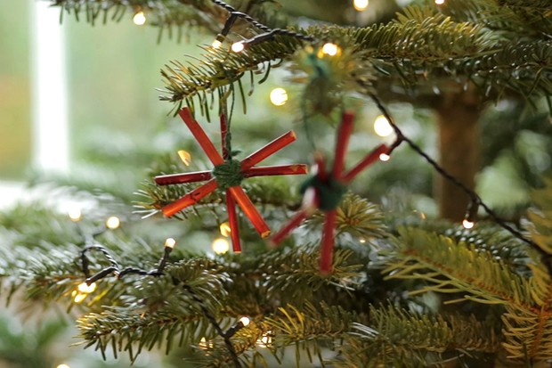 How to make Christmas star decorations