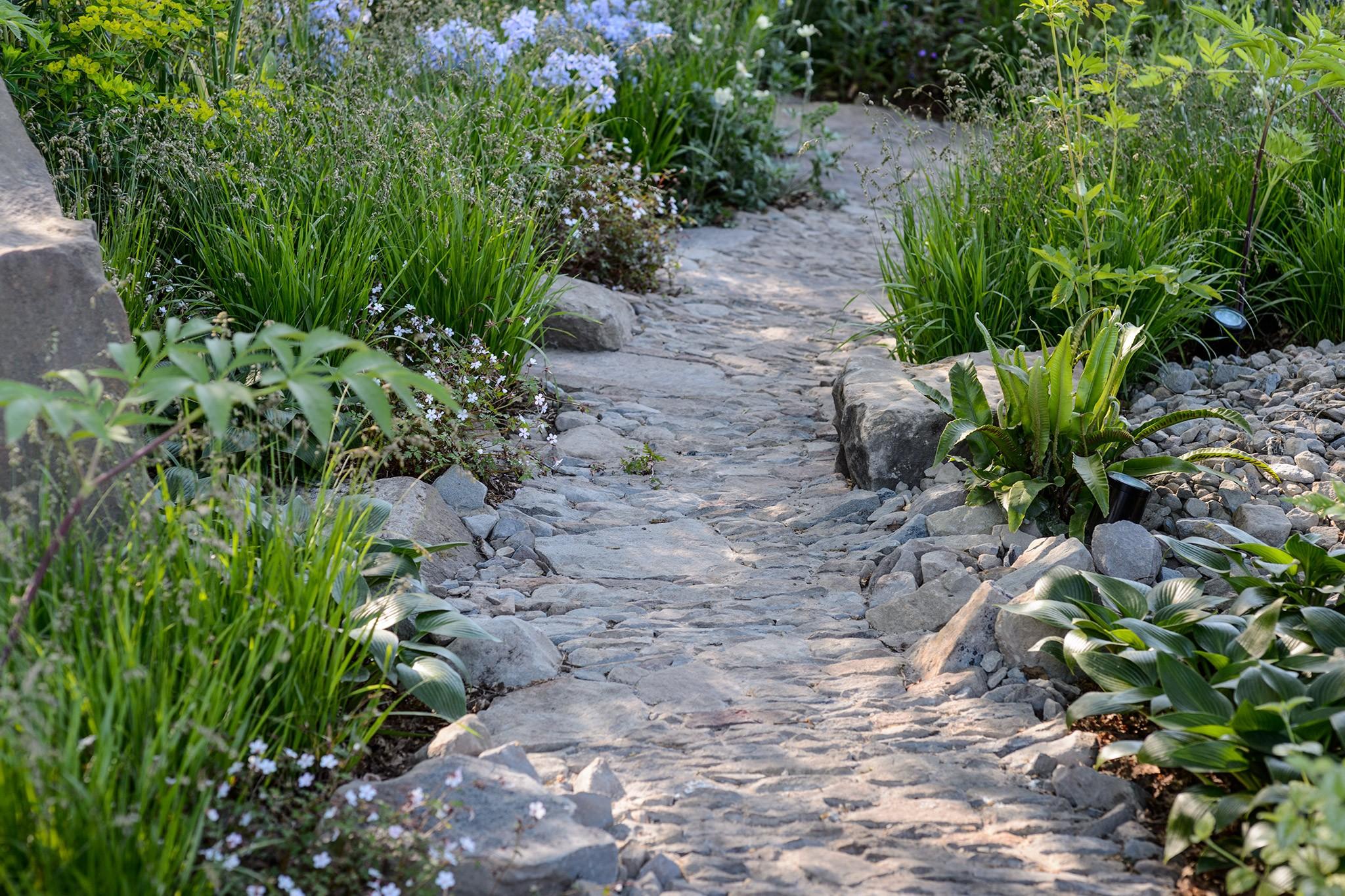 Nine Ideas for Garden Paths