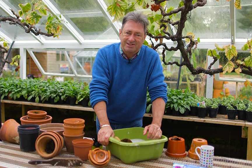 No Fuss Guide Tidying the garden in winter