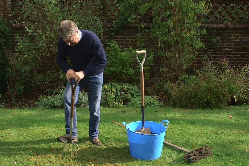 Aerating a lawn video