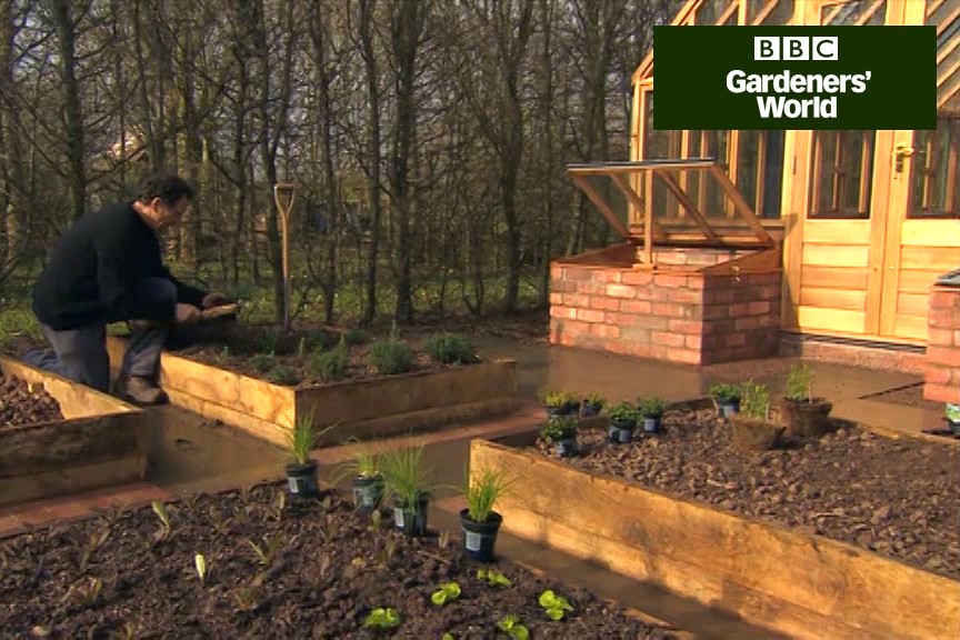 How to creat a free-draining herb bed video