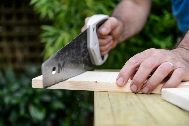 cutting-the-wood-to-size-3