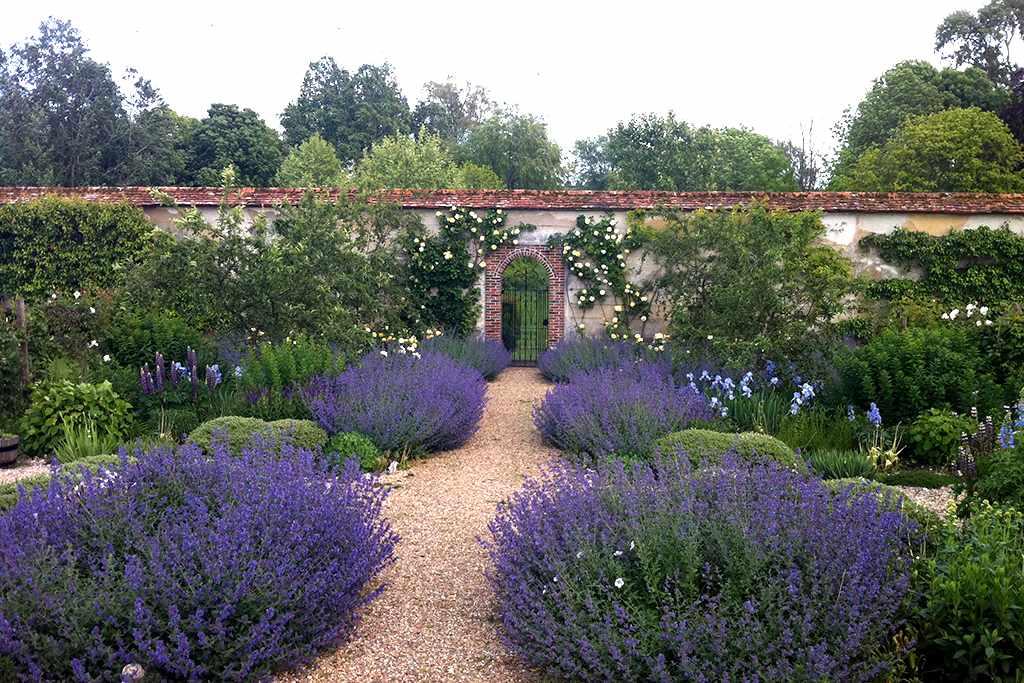 Houghton Lodge Gardens