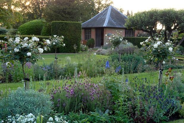 Stow Hall Gardens