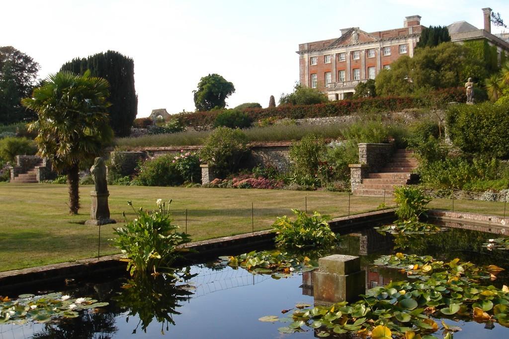 Tapeley Park & Gardens