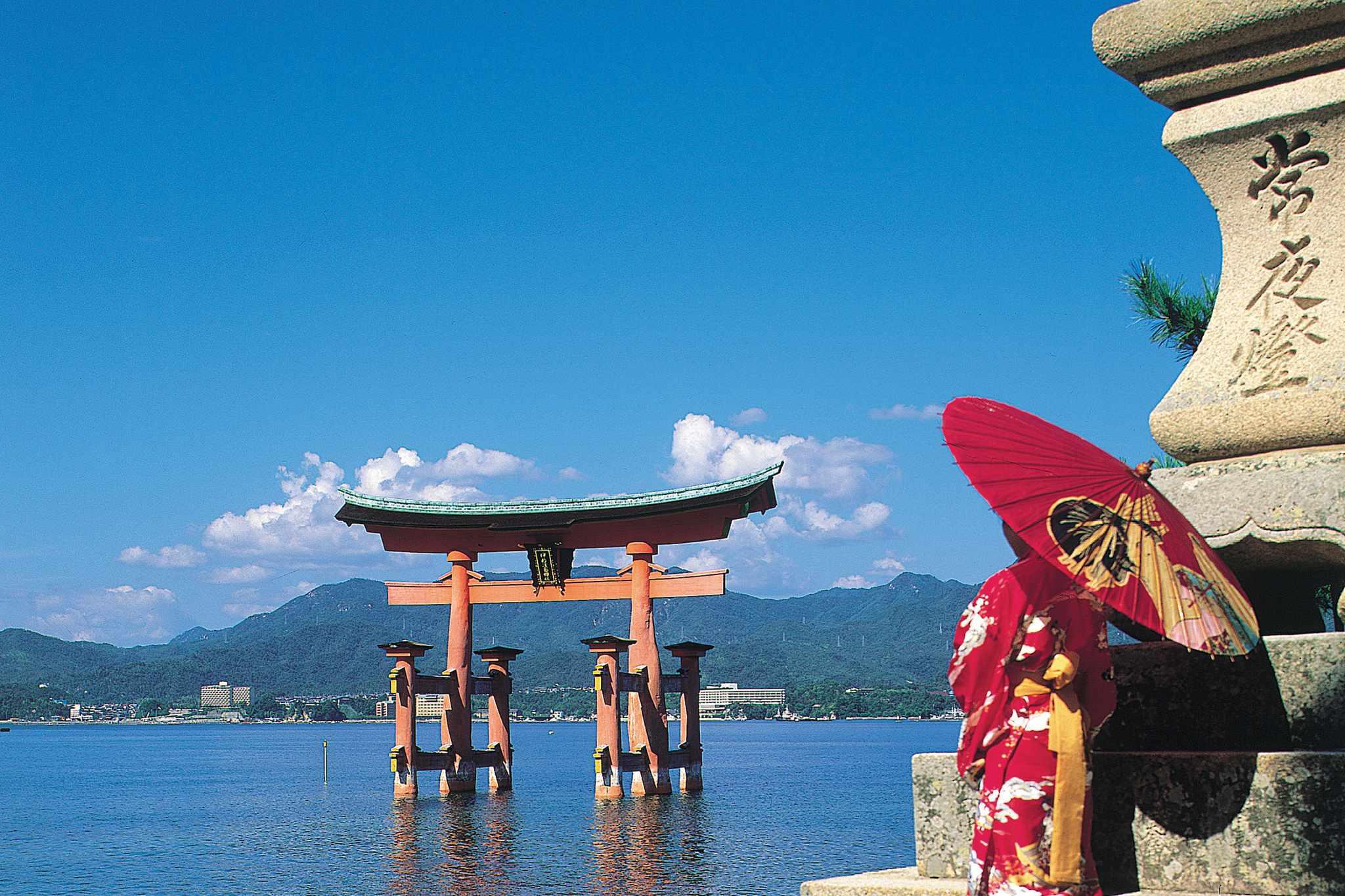 riviera-travel-miyajima-island-2048-1365