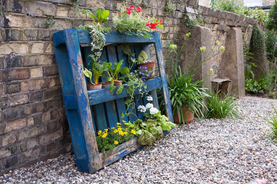 Upcycling - pallet planter