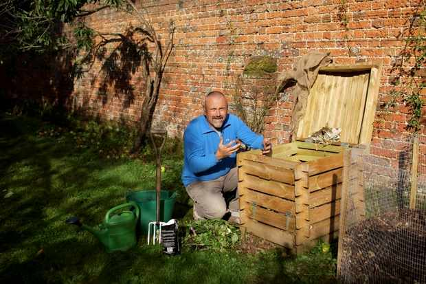 Dealing with composting problems - video advice from David Hurrion