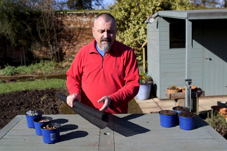 Types Of Mulch Video Bbc Gardeners World Magazine