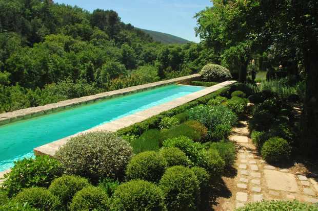 Swimming pool at La Louve