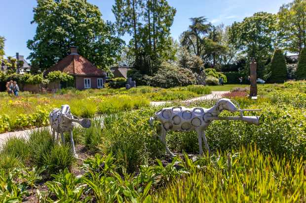 Singer Laren sculpture garden